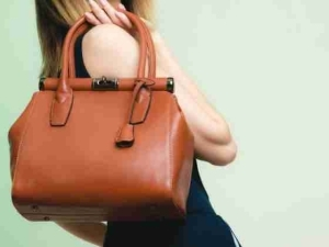 Ladies: See The 5 Things You Need To Have In Your Bag (No. 4 Will Make You Laugh)